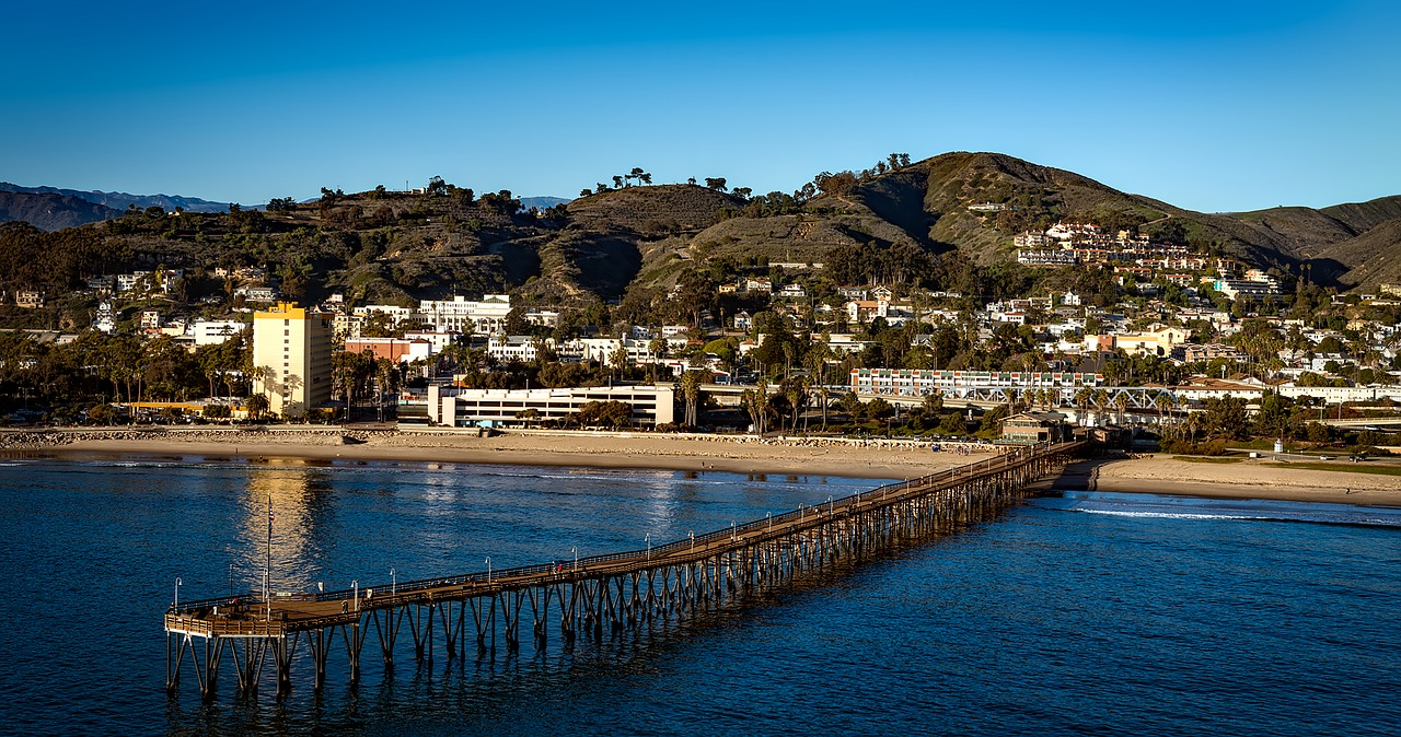 PCNAnswers friendly and professional operators are happy to offer live answering services in Oxnard so that our clients can enjoy the beautiful Oxnard beaches